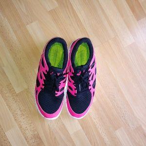 new style 2dfde f616b Nike Shoes - Nike Womens Free Run 2 Color BlackCherry